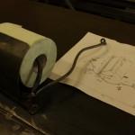 制作中のトイレットペーパーホルダー