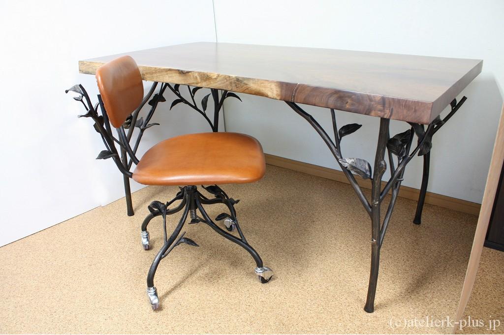 ロートアイアンのテーブル&ワークチェア
