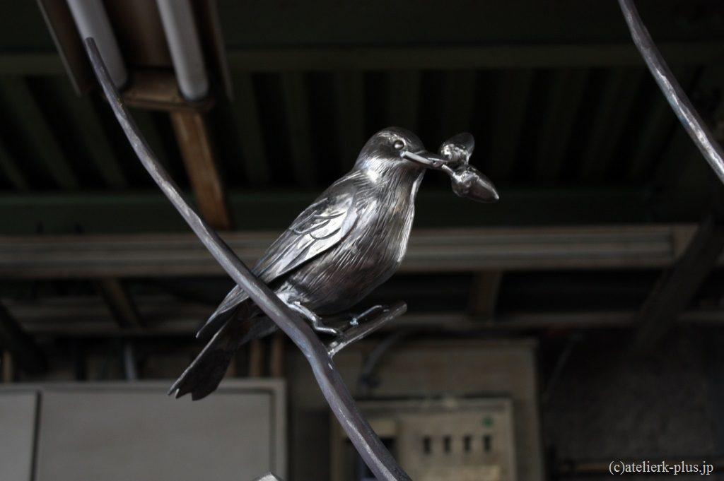 ロートアイアンのヒヨドリ