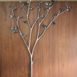 制作中の木のオブジェ