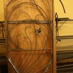 制作中の門扉
