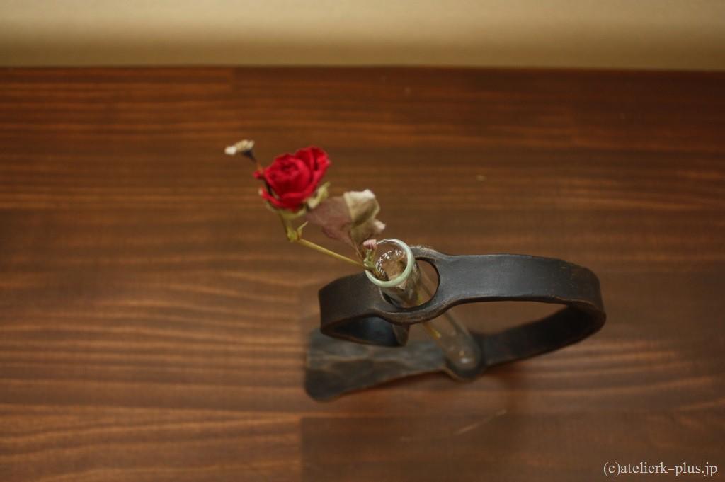 ロートアイアンの一輪花器