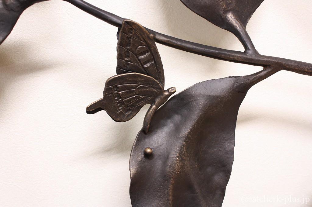 ロートアイアンのアゲハチョウ