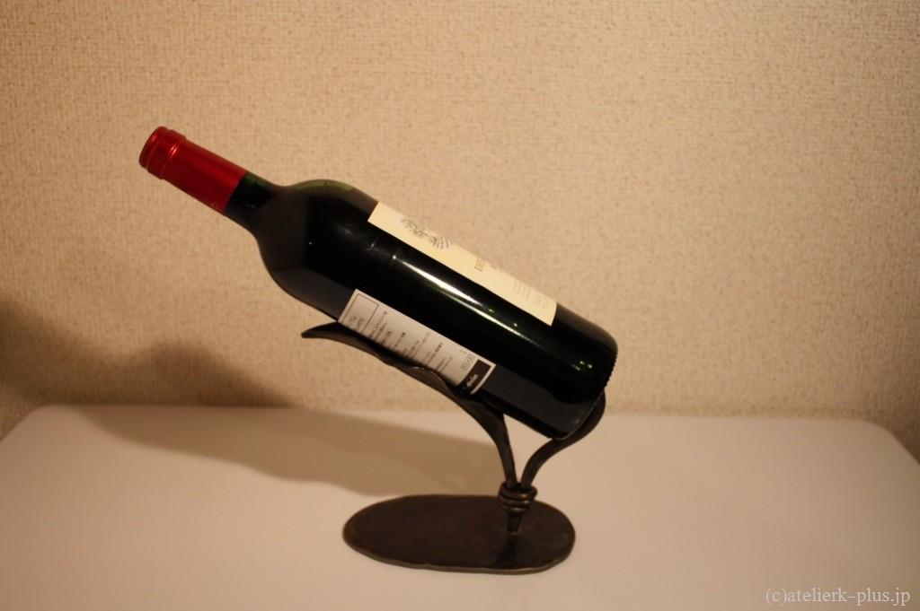 ロートアイアンのワインラック