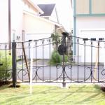 ロートアイアンのフェンスと門扉
