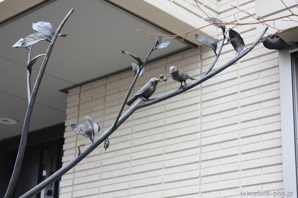 ロートアイアンの小鳥、イモムシ、ミノムシ