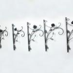 ロートアイアンのフラワーハンガー