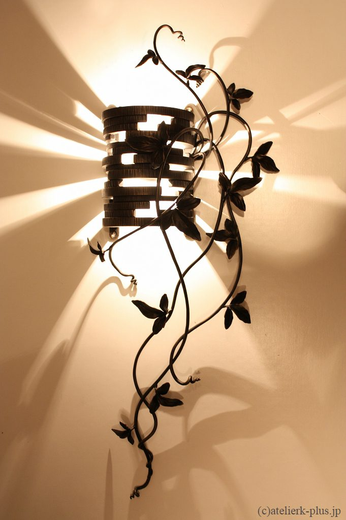 ロートアイアンの照明