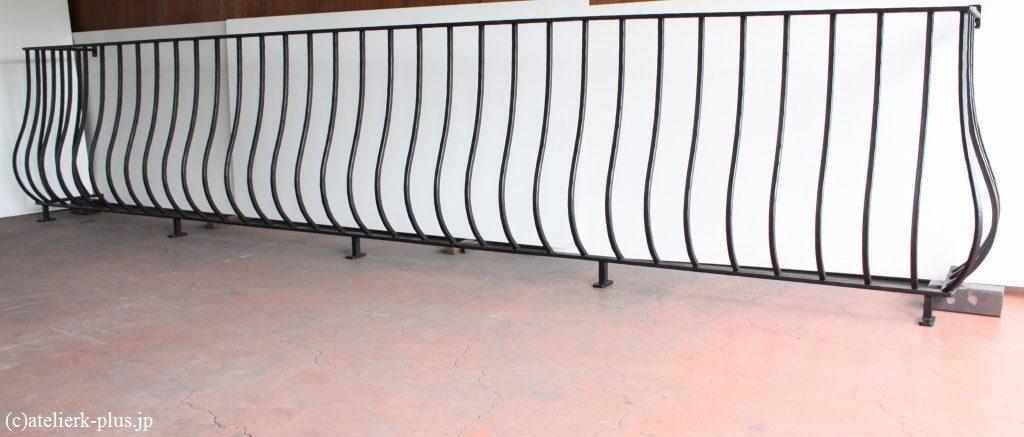 ロートアイアンのバルコニーフェンス