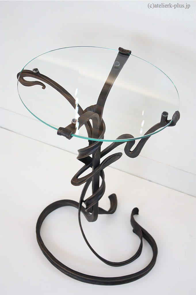 鍛鉄のミニテーブル