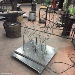 制作中の鹿