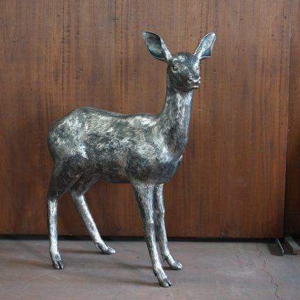 ロートアイアンの鹿