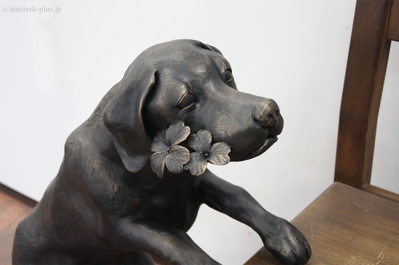 ロートアイアンの犬