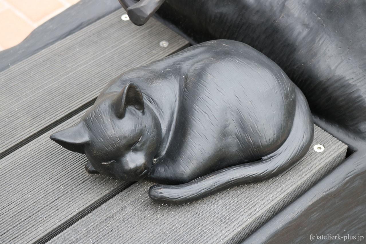 ロートアイアンの猫