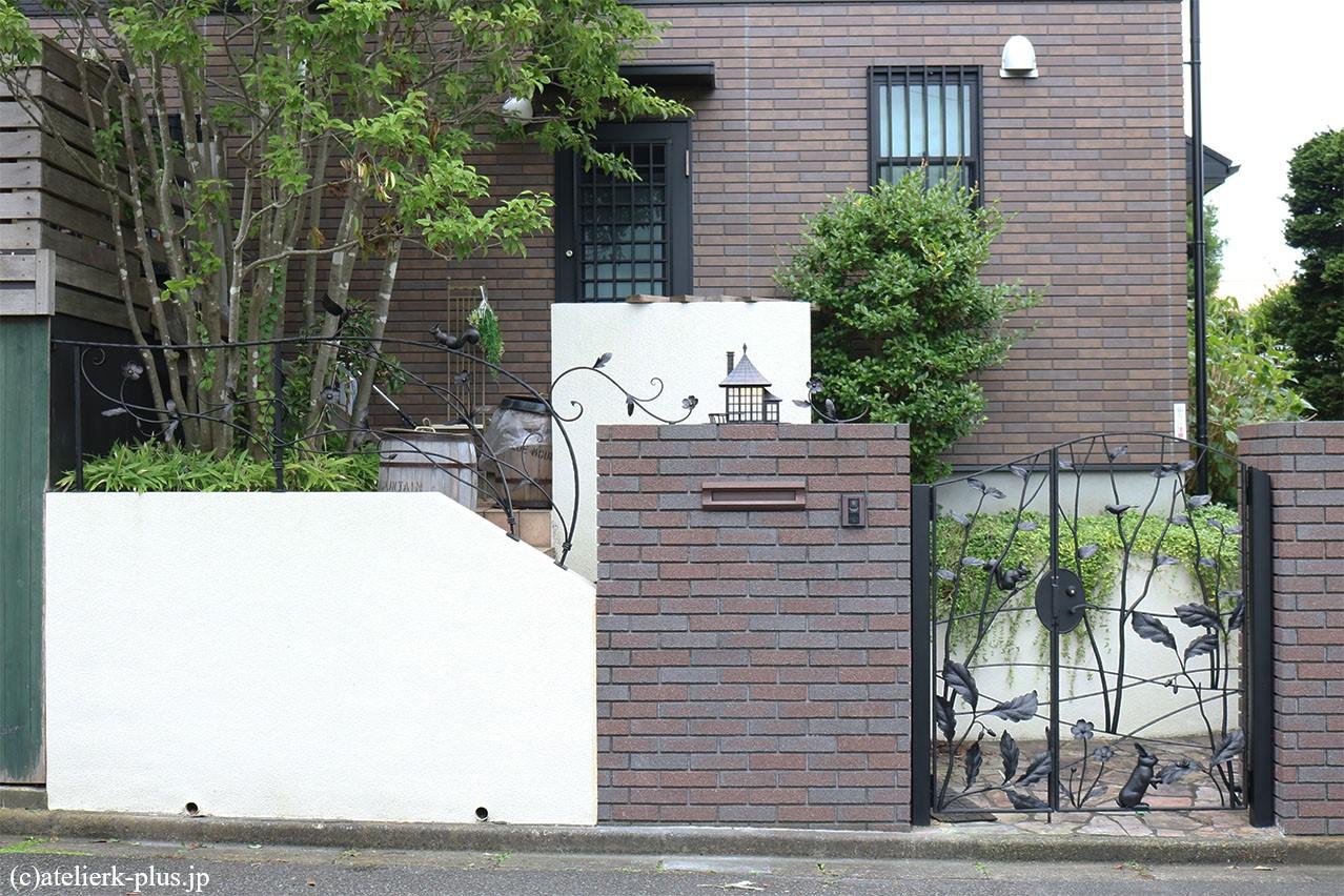 ロートアイアンのフェンスや門扉等